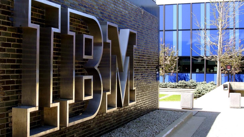 บัฟเฟตต์ขายหุ้น IBM